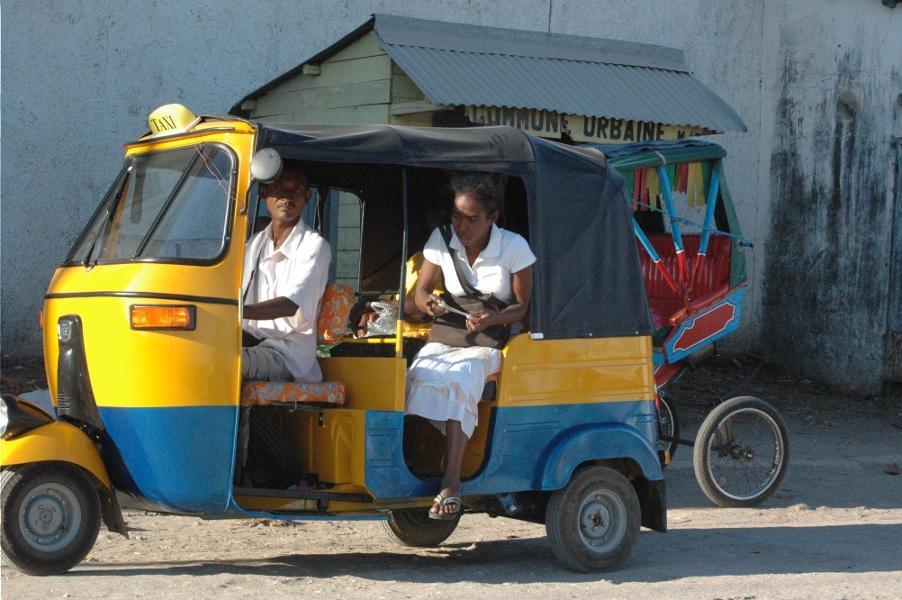 Le tuk-tuk à Madagascar : attrait ou fléau ?
