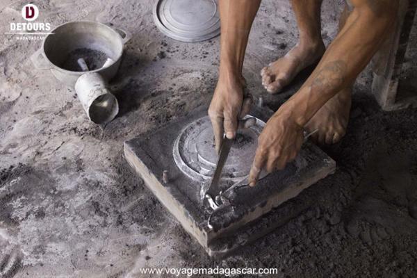 Fonderie d'aluminium d'art à Ambatolampy: l'artisanat made in Malagasy